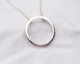 circle necklace, geometric necklace, minimalist necklace, minimalist jewellery, geometric jewellery, contemporary jewellery, silver jewelry