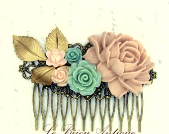 Bridal Hair comb with Beige pale Pink and sage green Flowers antique style wedding hair accessory in blush with Roses and gold Leaves