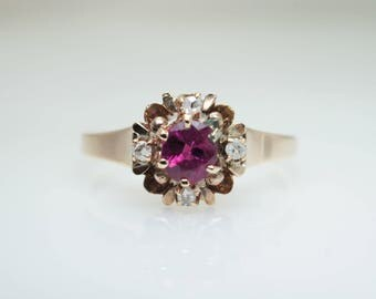 Vintage Late Victorian Ruby & Diamond Ring in 14k Yellow Gold