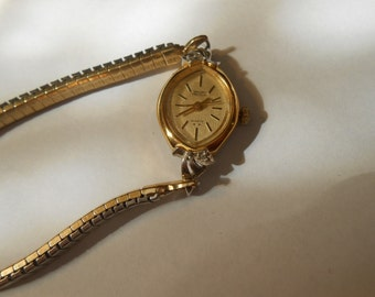 gruen 5 jewel quartz ladies watch