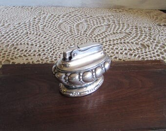 Vintage Ronson Crown Silver Plated Table Top Lighter.