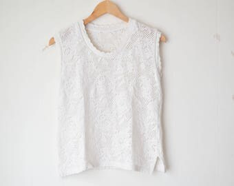 white cropped crochet floral tank top 70s // S-M