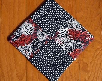 Pot Holder - Red/Black/White Flower Design