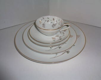 Noritake China Andrea #5524 Gold Rim 5 Piece Place Setting