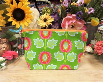 Makeup bag, Cosmetic bag, Travel pouch, Toiletry bag, Floral makeup bag, Floral pouch, Gift for her, Cosmetic pouch