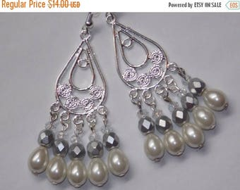 15%OFF Soft White Pearl Open Teardrop Chandelier Earrings
