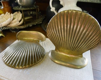 Brass bookends - set of two scallop shells