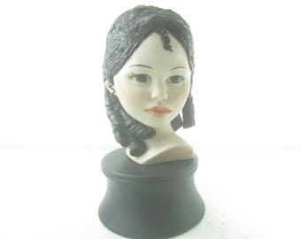Woman Statue, Girl Bust, Vintage Bust, Ceramic Statue, Figurine, lady, collectables, dark hair,