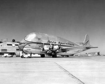 Aero Spacelines B-377PG Pregnant Guppy, Strange Plane, Airplane Photo