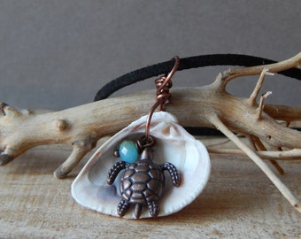 Sea Shell Pendant Necklace, Florida Sea Shell Jewelry, Sea Shell Gifts, Necklace for Women, Ocean Beach Necklace, Turtle, Gift for Friend