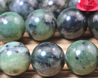 37 pcs of Natural Detrite Green Jade smooth round beads in 10mm  (06086#)