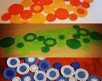 Double color flower crochet table runner