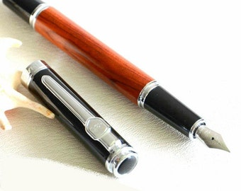 Fountain pen, fountain pen, writing instrument, wood, stainless steel