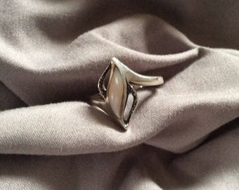 Vintage Navajo Sterling and Mother of Pearl Ring Size 7.5