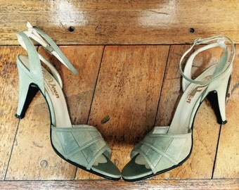 Mint Green Heeled Sandals Ankle Strap Leather Suede 80s 70s (4 UK / 37 EUR / 6 US)