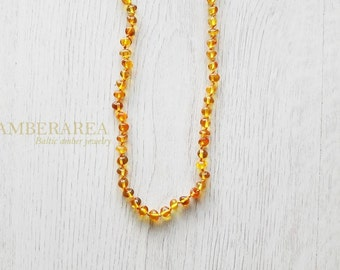 Honey amber necklace for Mom. Baltic amber necklace jewelry with baroque amber beads. Polished natural amber. 56 cm long. BB0025