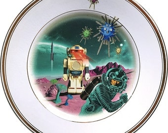 Robot attack - Flying Saucer - Vintage Porcelain Plate (*) - #0000