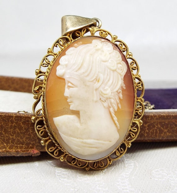 Vintage / Gold Gilt Large Carved Cameo of an Elegant Lady Pendant Necklace Chain