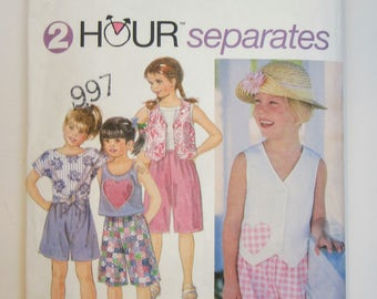 Simplicity 9016 Girl's Shorts Top Tank Top & Vest Sewing Pattern Sizes 5 - 6X Uncut