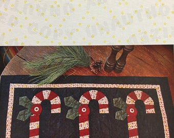 Twisted Pepperment Table Runner Pattern