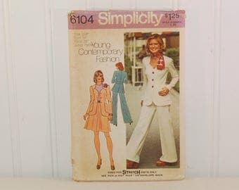 Vintage Simplicity 6104 Young Contemporary Fashion (c. 1973) Junior Petite Size 11, Bust 34 Inches, Retro Clothes, Flared Pants, Knits