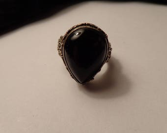 Ornate Sterling Silver and Black Onyx Teardrop Shape Ring - size 7 3/4
