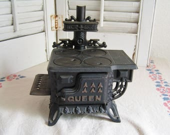 Vintage Queen Cast Iron Toy Stove Miniature Oven Doll House Stove