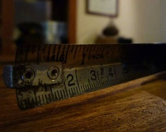 Vintage Measuring Tape / Brown Bakelite