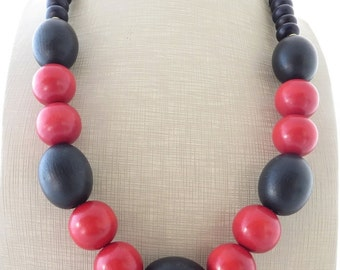 Red and black necklace, wooden necklace, chunky necklace, ethnic necklace, exotic beaded necklace, contemporary jewelry, italian jewelry