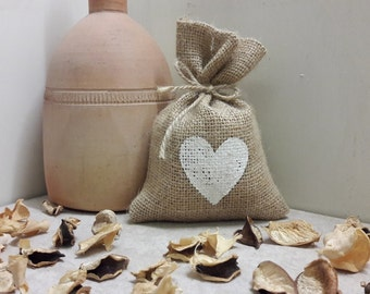 BURLAP FAVOR BAGS with heart in your choice of color - Set of 25, 50 and 75 Rustic wedding favor bags, gift bags for weddings