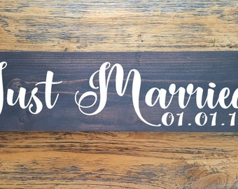Just Married with Wedding Date Handpainted Sign- Rustic Wedding Wood Sign - Modern Bride Groom Sign - Wedding Photo Prop- Engagement Sign