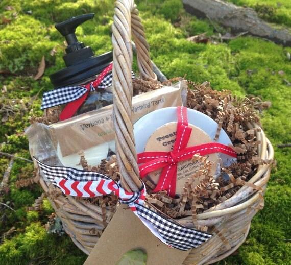 Liquid Hand Soap in Mason Jar Dispenser Gardeners Hand Soap Warming Tarts Gidt Basket