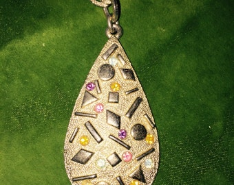 "Vintage SARAH COVENTRY Signed 1970's ""Sultana"" Rhinestone Pendant Necklace."