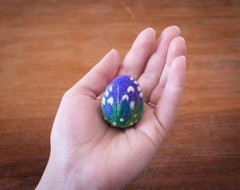 Needle Felted Spring Flower Egg, Snowdrops, Purple, White, Green, Wool, Easter Egg