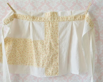 Crumble and Custard Apron - Ivory and Pink Floral Half Apron, Women, Vintage, Plus Size