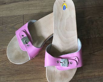 Vintage almost new Dr Scholl original sandal, exercise sandals, Pink size 11, white sole Dr Scholl's sandals