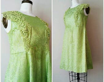Vintage 1960s Chartreuse Green Dress, 1960s Green and Silver Dress, XL Green Dress, Green Floral Dress, Lime Green Dress, Lime Green,L to XL
