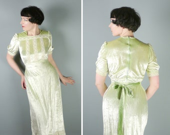 PALE pistachio green crushed VELVET dress - 70s VICTORIAN inspired pastel maxi prairie dress with crochet lace trims - gothic lolita - S