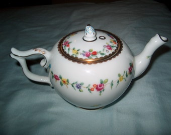 Vintage Franklin Mint Small Teapot, Chelsea-Derby, 1985, Victoria & Albert Museum, WAS 25.00 - 50% = 12.50