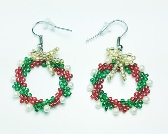 Christmas Wreath Earrings, Christmas Earrings, Beaded Earrings, Red and Green, Holiday Earrings, Holiday Jewelry, Seasonal Earrings