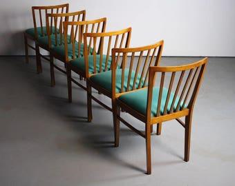 VIBRANT Set of 6 Mid Century Danish Modern Contoured Walnut Dining Chairs