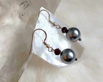 Dangle Earrings with dark Grey Color Freshwater Pearls and Garnets Sterling Silver