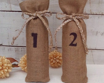 Wine Bags - Burlap Wine Bags - Numbered Wine Bottle bags - Wine Bottle Cosy - Burlap wine bag - Wedding wine bag - Wedding Decor  - Set of 8