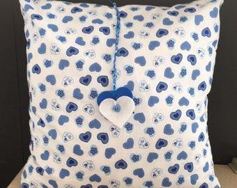 Knitted Heart Cushion Pattern : Heart Pillow Knitting Pattern Hearts Cushion Knitting