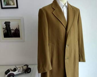 Vintage Man coat brand Cortefiel in came, l size UE 52, UK 42, US 42 made in Spain.