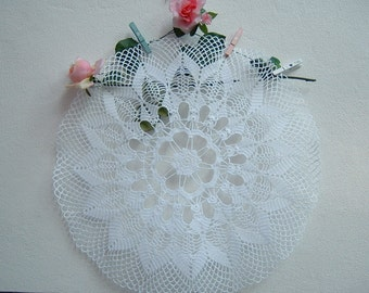 Elegant centerpiece handmade crochet lace. Shabby chic. Crochet House, romantic style. Delicate lace Italian style
