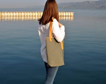 Khaki tote bag, minimalist city tote, waterproof canvas bag leather straps, canvas leather tote carry all, zipper tote bag