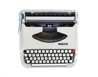 Portable Typewriter PRIVILEG 300 T