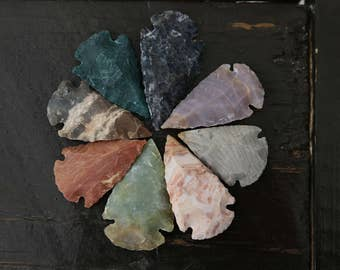 Mixed Handmade Natural Stone Arrowhead Pendants, 8pcs