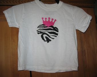 girls cotton shirt/size 4T/heart and crown applique